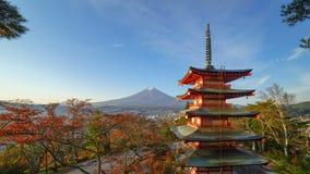 4K Timelapse av Mt Fuji med den Chureito pagoden på soluppgång, Fujiyoshida, Japan