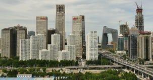 4k, timelapse, circulación densa a través del distrito financiero central de Pekín, construyendo almacen de video