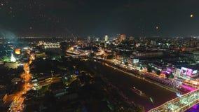 4K Timelapse de lanternas e de povos de flutuação na celebração de Yee Peng Festival ou de Loy Krathong em Chiangmai, Tailândia video estoque