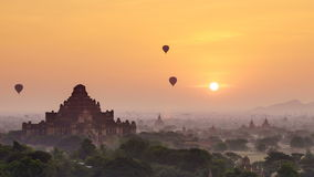 4K Timelapse der Tempel von Bagan bei Sonnenaufgang, Mandalay, Myanmar stock footage