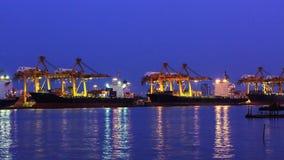 4K Timelapse, logistisk importexportbehållare. Royaltyfri Bild