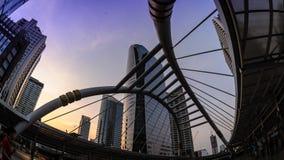 4K Timelapse, Mooie moderne struction in Bangkok bij schemering stock videobeelden