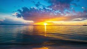 4K timelapse Piękny zmierzch w Nathon miasteczka plaży, Samui wyspa, Tajlandia zbiory wideo
