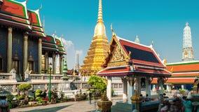 4K timelapse Toeristengangen in het Grote Paleis met zijn Koninklijke Kapel stock video