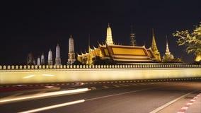 4k Timelapse van dag aan nacht Wat Phra Kaew of Grand Place in Thailand stock footage