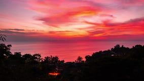 4K timelapse Zonsondergang in het overzees stock videobeelden