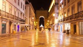 4K timelpase νύχτας της οδού του Αουγκούστα κοντά στο τετράγωνο εμπορίου στη Λισσαβώνα, Πορτογαλία - UHD φιλμ μικρού μήκους