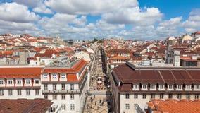 4K timelpase της οδού του Αουγκούστα κοντά στο τετράγωνο εμπορίου στη Λισσαβώνα, Πορτογαλία - UHD απόθεμα βίντεο