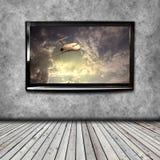 4K TV op de muur Royalty-vrije Stock Afbeeldingen