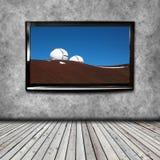 4K TV op de muur Royalty-vrije Stock Foto's