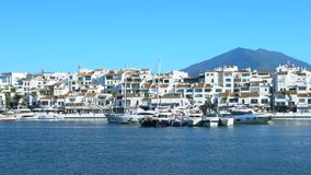 4k UHD Puerto Banus, Spanien langsames Pan L bis R stock footage