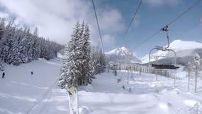 4K Ultra UHDTV 3840X2160: Narciarski dźwignięcie w śnieżnym Tatras Halnym kurorcie zbiory wideo