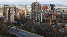 4K UltraHD哈密尔顿,加拿大Timelapse与高速公路的市中心 影视素材