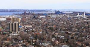 4K UltraHD Hamilton och Burlington från den Niagara brant sluttning stock video