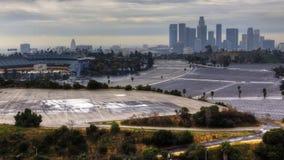 4K UltraHD-Mening van de horizon van Los Angeles met Dodger Stadium in de voorgrond stock footage