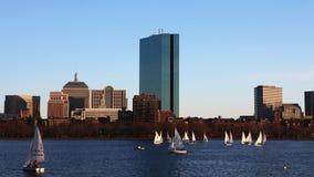 4K UltraHD Timelapse波士顿与风船的市中心在前面 股票视频