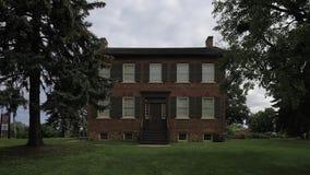 4K UltraHD Timelapse av det historiska Bovaird huset i Brampton, Kanada arkivfilmer