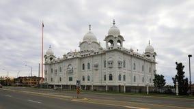 4K UltraHD Timelapse av Gurdwara Dashmesh Darbar den sikh- templet i Brampton, Kanada stock video