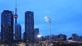 4K UltraHD Timelapse como caída de la oscuridad en Toronto, Canadá metrajes