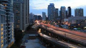 4K UltraHD Timelapse de Gardiner Expressway en Toronto, Canadá en la noche almacen de metraje de vídeo