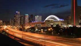 4K UltraHD Timelapse de Gardiner Expressway en Toronto, Canadá en la noche almacen de video