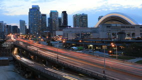 4K UltraHD Timelapse de Gardiner Expressway en Toronto en la noche almacen de video