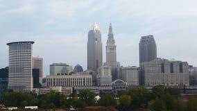 4K UltraHD Timelapse del centro urbano di Cleveland un giorno soleggiato video d archivio