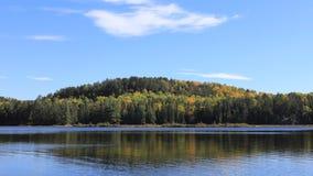 4K UltraHD Timelapse del lago y del bosque Algonquin almacen de metraje de vídeo