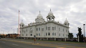 4K UltraHD Timelapse van de Sikh tempel van Gurdwara Dashmesh Darbar in Brampton, Canada stock video