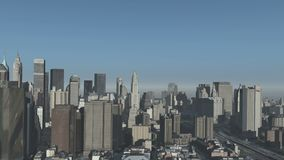 4k vista aérea del edificio urbano, vuelo con NewYork, construcción del mundo moderno metrajes