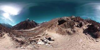 4K VR Dingboche i Pheriche wioska w Nepal, podstawowy punkt Everest podstawowego obozu ślad EBC Buddyjska stupa dalej zbiory wideo
