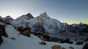 4K widok góra Everest tuż przed wschód słońca zdjęcie wideo