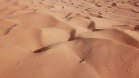 4K widoku z lotu ptaka diuny w pustyni Abu dhabi U A e zbiory wideo