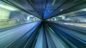 4K Zeitspanne des automatischen Zugs bewegend auf Tunnel, Tokyo, Japan stock video