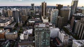 4K Zeitspanne-Filmvideofilm beweglicher Tag zur Nacht Timelapse von Vancouver Looukout BC Kanada in Richtung zur im Stadtzentrum  stock video footage