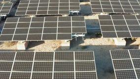4k Zonne de Elektrische centralezonnepanelen van de satellietbeeldduurzame energie stock footage