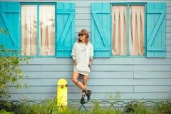 Åka skridskor flickan Royaltyfri Fotografi