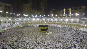 Kaaba στη Μέκκα στο έγκαιρο σφάλμα ζουμ της Σαουδικής Αραβίας απόθεμα βίντεο