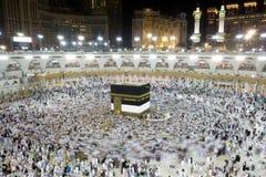 Kaaba i Mecca Saudi Arabia på natten Royaltyfri Bild