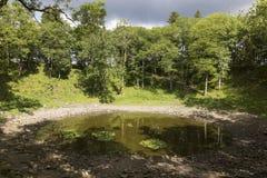 Kaali krater i ön av Saaremaa, Estland arkivfoto