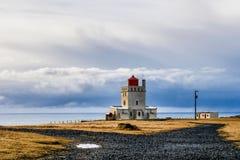 Kaap Dyrholaey in zuidelijk IJsland in Europa stock foto's