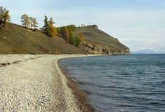 Kaap Ludar op Baikal Stock Foto's