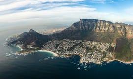 Kaapstad en apostel twaalf van hierboven stock fotografie