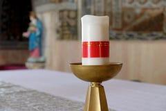 Kaars in de kerk van St Stephen de Eerste Martelaar Royalty-vrije Stock Fotografie