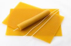 Kaars die van bijenwas wordt gemaakt Stock Afbeelding