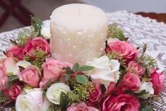 Kaars met bloemen Stock Fotografie