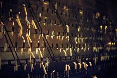Kaarsen bij kerk - Milan Duomo, Kathedraal Italië Royalty-vrije Stock Foto