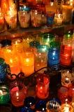 Kaarsen binnen een kerk in Oaxaca Stock Afbeeldingen