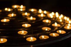Kaarsen in de kerk Royalty-vrije Stock Fotografie