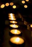 Kaarsen in een rij Stock Foto
